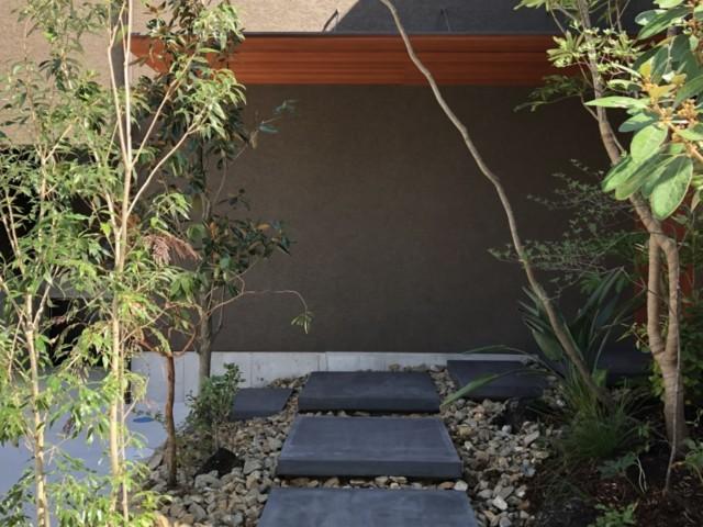 芦屋三条町の家